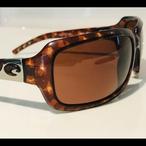 Costa Isabela (580) Sunglasses w/case